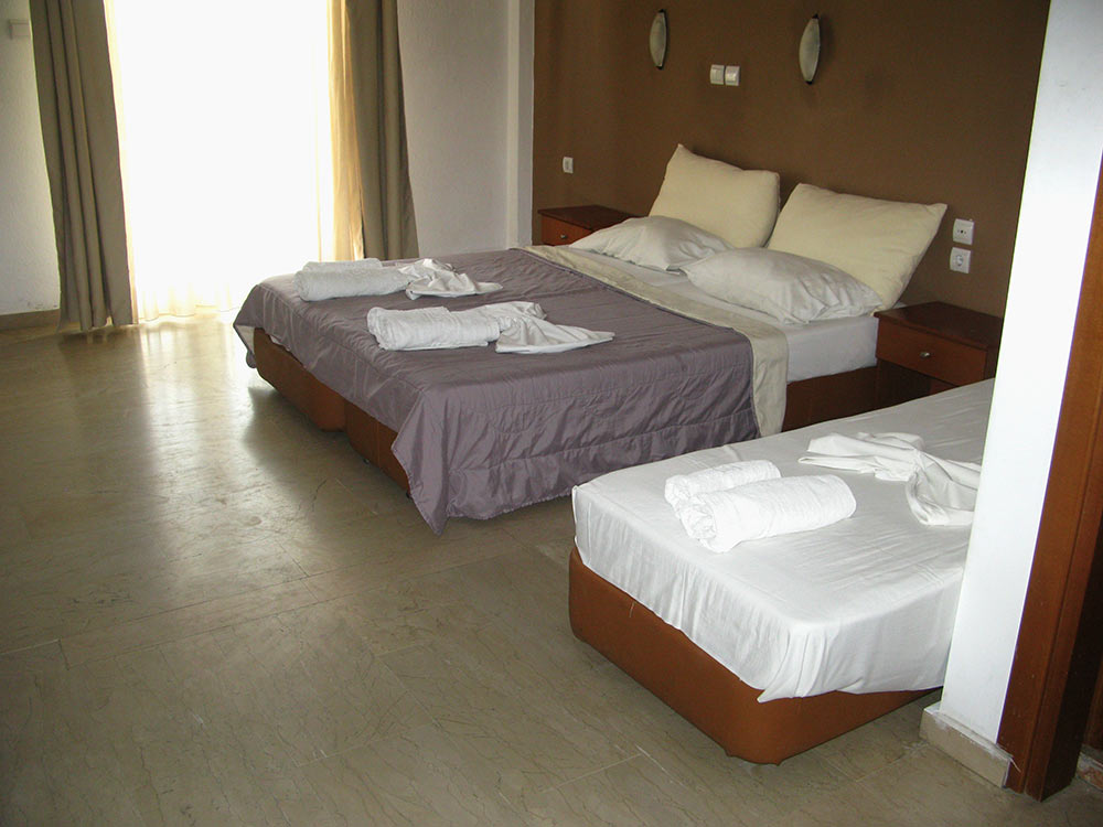 Δίκλυνο Hotel Platon