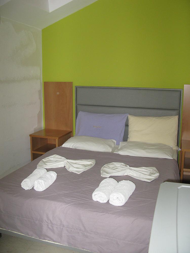 Μονόκλυνο Hotel Platon